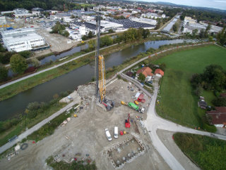 Mangfallbrücke Rosenheim. Pfahlgründung mit 50m langen Bohrpfählen.
